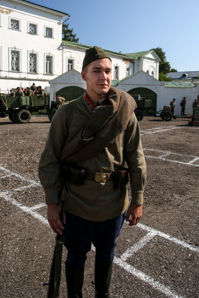 Олег Отс в роли курсанта Богатова